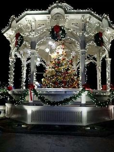 Christmas in the gazebo.what a pretty Christmas gazebo with everything decorated. Christmas Scenes, Noel Christmas, Winter Christmas, Vintage Christmas, Xmas, Christmas Wedding, Christmas Light Displays, Christmas Lights, Outdoor Christmas Decorations