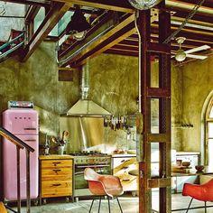 El look de nuestro tiempo, un hogar con un estilo decorativo retro futurista y un aire Mad Max