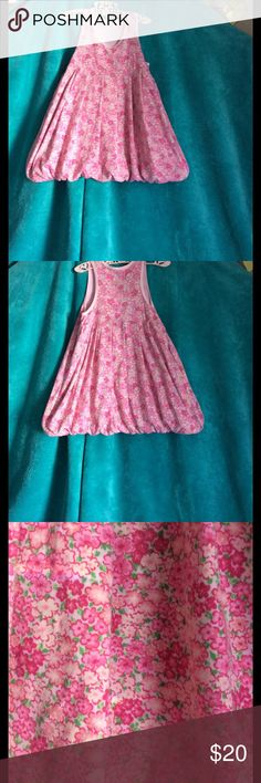 Girls dres Light pink with flower detail girls dress size 2-3 tag has been ripped out Dresses Casual