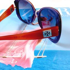 NWT Tory Burch Sunglasses Beautiful and classic, these shades will protect your eyes and accent your cheekbones for a great look! No flaws, security tag attached, but original price tag removed. Tory Burch Accessories Sunglasses