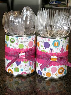 cover cans with paper for utensils for parties!
