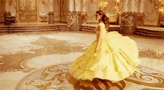 Imagen de beauty and the beast, emma watson, and gif Emma Watson, Princess Beauty, Disney Princess Belle, Disney Princesses, Beauty And The Beast Movie, Disney Live, Princesas Disney, Disney And Dreamworks, Actors