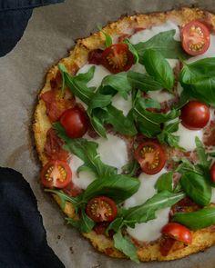 Mama Gastro -ruokablogia pitävä Maria Taiminen on kehittänyt pizzan, jossa on vain 395 kilokaloria.