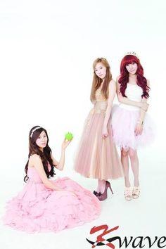 Seohyun ★ #SNSD with Tiffany and Taeyeon