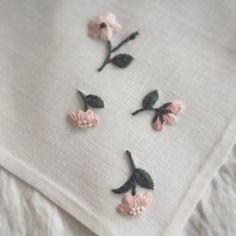 春の女神ヴィーナス誕生の瞬間に、空から降ってきた薔薇の花。 ・