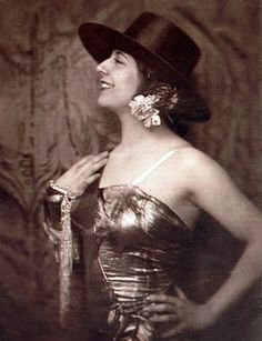 Concha Piquer - was a Spanish singer and actress. Spanish, Wonder Woman, Actresses, Superhero, Women, Style, Sash, Songs, Artists