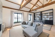 2 bedroom flat to rent Cadogan Square, Knightsbridge, London, SW1X £1,600 pw| £6,933 pcm