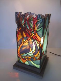 Artículos similares a Unique stained glass lantern. en Etsy