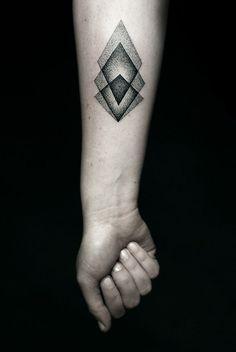 22 Mind Blowing Geometric Tattoos