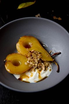 Nadire Atas on Exquisite Poached Pear Desserts Orange and Cardamom Roasted Pears Pear Recipes, Fruit Recipes, Sweet Recipes, Cooking Recipes, Jelly Recipes, Popsicle Recipes, Dessert Recipes, Roasted Pear, Roasted Fruit Recipe