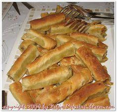 açma kol böreği tarifi Perfect Food, Hot Dog Buns, Apple Pie, Muffin, Food And Drink, Bread, Cooking, Desserts, Food