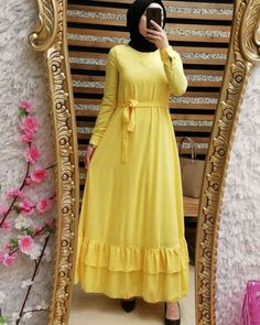 New hijab trends have just popped up few weeks ago; and they are just rocking the street fashion. First of all we will talk about the most popular colors that Muslim Dress, Hijab Dress, Dress Skirt, Islamic Fashion, Muslim Fashion, Casual Wear Women, Girls Maxi Dresses, Abaya Designs, Abaya Fashion