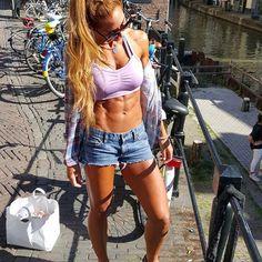 lauramariemasse abs girl crossfit gym babe fit woman
