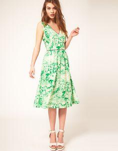 Perfect length. Perfect print. Perfect dress.