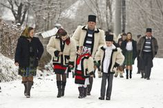 Craciun in Maramures City People, Canada Goose Jackets, That Look, Winter Jackets, Merry Christmas, Traditional, Life, Romania, Travel