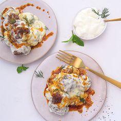 Lamb meatballs in warm yoghurt sauce