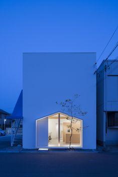 Folm Arts / Tsubasa Iwahashi Architects