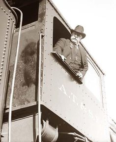 # Today we feature a photograph of William Howard Taft, as he campaigns for the office of President of the United States. Taft was elected president on November in the year List Of Presidents, Presidents Wives, Black Presidents, American Presidents, American History, William Howard Taft, Presidential History, Presidential Trivia, Ex President