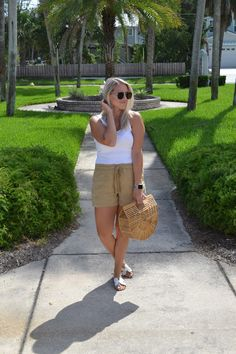 The Fashionably Late Blonde End Of Summer, Straw Bag, Latest Fashion, Summer Outfits, Hot, Outfit Summer, Summer Dresses, Summertime Outfits, Summer Clothes