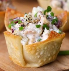 These Quick Chicken Salad Bites Make for a Crowd-Pleasing Canapé - Shared Mini Appetizers, Appetizers For A Crowd, Appetizer Salads, Food For A Crowd, Appetizer Recipes, Salad Recipes, Canapes Recipes, Healthy Appetizers, Party Recipes