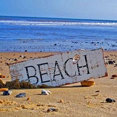 4seasons-blog: beach (via Pinterest)