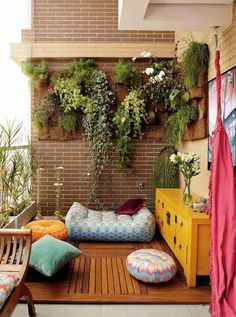 Creative decoration on your balcony