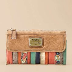 Emory Clutch from Fossil. Girl Fossil to match honey :) Fossil Wallet, Fossil Watches, Fossil Handbags, Fossil Bags, Cute Bags, Purses And Handbags, Mk Handbags, Coin Purses, Fashion Bags