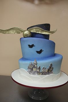 Harry Potter Wedding Cake by Amanda Oakleaf Cakes, via Flickr