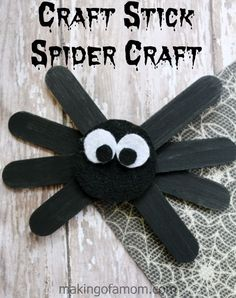 Cute and easy Craft Stick Spider Craft, perfect for Halloween crafting.