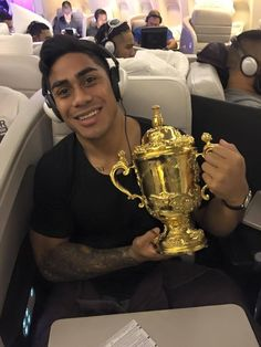 Malakai Fonokalafi Fekitoa is a rugby union footballer who plays as a second five-eighth or centre. He plays for auckland Rugby Union in the ITM Cup, The Highlanders in the Super Rugby competition and also the All Blacks.  Born: May 10, 1992, Haʻapai, Tonga Height: 1.87 m Weight: 99 kg Career start: 2012