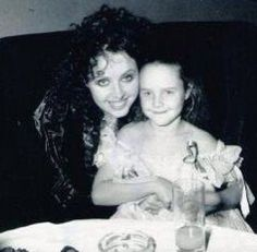 Cannot imagine how inspiring it must be to have Sarah as your big sister! Amelia is so privileged.. even with a 19 year age difference, these two have such a sweet relationship. (Amelia does backup vocals on many of Sarah's tours and has a really beautiful voice! ) <3