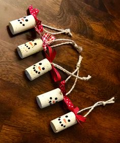 Snowman Wine Cork Ornament or Wine Bottle Decoration Snowman Wine Cork Ornament or Wine Bottle Decoration,diy One handmade wine cork snowman ornament. Great gift or decoration for a wine bottle! Additional quantities and custom. Fun Christmas Party Ideas, Handmade Christmas Decorations, Christmas Ornaments To Make, Christmas Crafts For Kids, Simple Christmas, Holiday Crafts, Snowman Ornaments, Snowman Hat, Diy Snowman