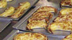 Recept na pravé Bratislavské rožky | Kultúra | Bratislavské noviny Chicken, Food, Basket, Essen, Meals, Yemek, Eten, Cubs