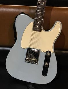 Solid piece!   FENDER CUSTOM HIGHWAY ONE ESQUIRE/TELECASTER DAPHNE BLUE.EXCELLENT CONDITION!!!