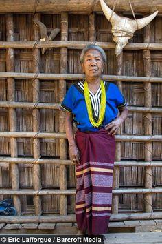 Tattooed Women of Burma www.tatteo.com