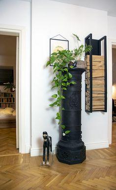 Stilul scandinav e la el acasă într-un apartament din Dorobanți Ladder Decor, Design, Home Decor, Farm Gate, Decoration Home, Room Decor, Home Interior Design, Home Decoration
