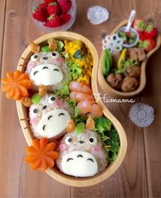 Adorable Totoro onigiri rice ball character bento box