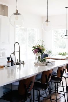 modern kitchen decor featured in simply styling / sfgirlbybay