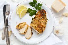 Der Food-Blog, der es dir leicht macht. Das einfache Rezept für Hähnchenbrustfilet mit Parmesan-Kruste mit einer Schritt-für-Schritt-Anleitung in Bildern.