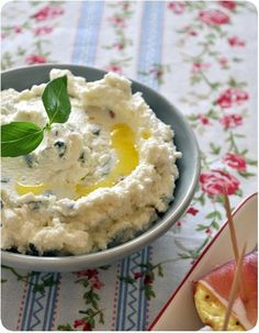 Tartinade de chèvre au citron et au basilic (Whipped chevre with lemon and basil) great on warm French baguette or small toasts Veggie Recipes, Appetizer Recipes, Cooking Recipes, Tapas, Fingers Food, Antipasto, Cooking Time, Food Inspiration, Love Food