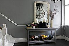 mueble escalera en gris