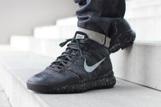 have managed to convert their Chukka sneaker into a winter silhouette called the Nike Flyknit Trainer Chukka FSB how the hell did they do that? Nike Flyknit Trainer, Nike Free Flyknit, Nike Free Shoes, Nike Shoes Outlet, Nike Outfits, Club Outfits, Work Outfits, Casual Outfits, All Black Sneakers