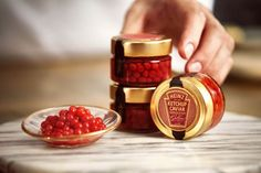 Heinz Ketchup Caviar is exactly what it says it is. It is caviar, but instead salt-cured roe, those little balls are just ketchup. Ketchup, Caviar, Valentines Day Date, Valentines Day Treats, Food Trucks, Sauce Americaine, Pots, Tater Tots, Chocolate Box