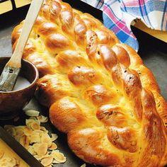 Chałka - Polish sweet white wheat bread of Jewish origin (challah).