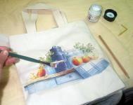 Decoupage con servilletas sobre tela paso a paso. Image Font, Plastic Cutting Board, Diy And Crafts, Napkins, Mix Media, Disney, Tips, Fashion, Block Prints