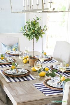 French country tablescape | Dining table setting ideas