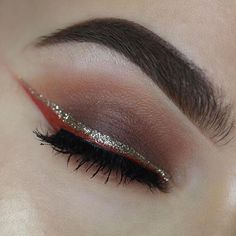 Keep those fall-inspired looks coming, beauties! @allaboutanita_ adds a gorgeous touch of glitter to her eyes using our Liquid Crystal Liner in 'Crystal Silk' ✨ P.S. If you're going to #beautyconNYC, make sure to stop by our booth to create your own custom eyeshadow palette! #nyxcosmetics #nyxprofessionalmakeup