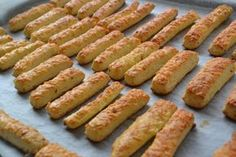 Filléres omlós sajtos rúd vagy lapocska locsolóknak! - Bidista.com - A TippLista! Salty Snacks, Yummy Snacks, Snack Recipes, Cooking Recipes, Yummy Food, Hungarian Desserts, Hungarian Recipes, Gluten Free Sourdough Bread, Savory Pastry