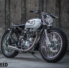 """themotoblogs: """"Beautifully done Royal Enfield Tracker by one of our favorite builders ——————— Built by @eakspeed ——————— Follow @themotoblogs for more ——————— #tracker #scrambler #scramblers..."""