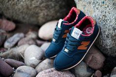 new-balance-420-herschel-supply-company-red-navy-black-paisley-feature-sneaker-boutique-las-vegas-9.jpg (549×366)